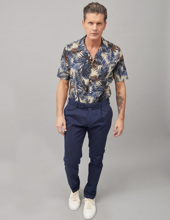 A linen blend print in the perfect colours to pair with anything. Used to create bowling styles, this is decidedly the must-have item for this season from Xacus.