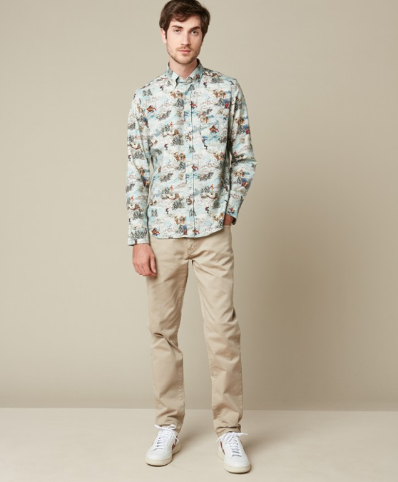 Fun button down shirt in 100% cotton with a retro ski inspired print.