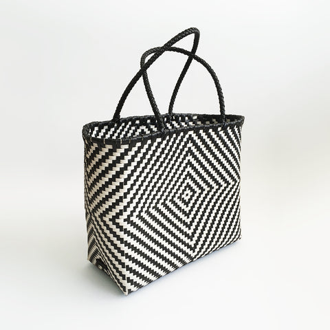 Graphic Market Bag, Black Diamond Weave