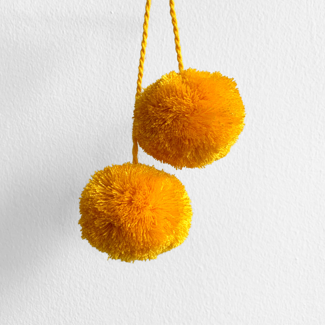 Pompom Pair, Yellow