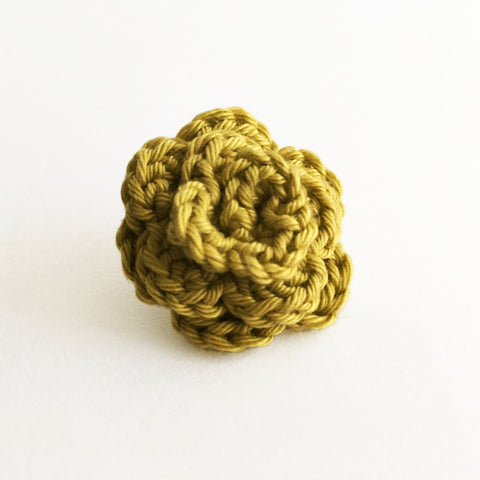 Lapel Bloom, Chartruese
