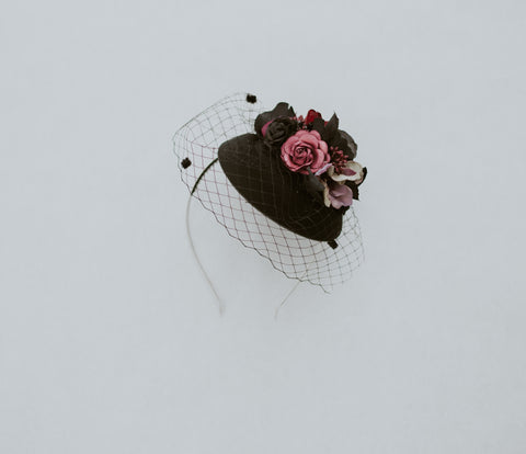 Mini fascinator flower hat
