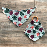 Organic cotton teether with wooden ring and bandana bib