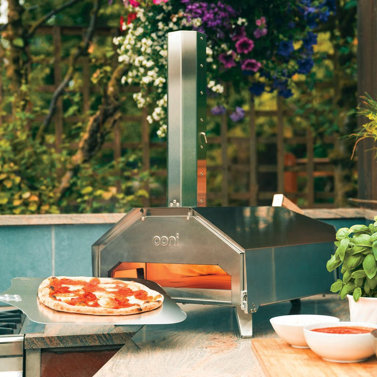 Ooni PRO - Portable Pizza Oven (Wood and Charcoal)