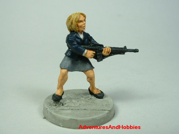 Miniature Zombie Hunter Office Worker 471 Post Apocalypse Painted
