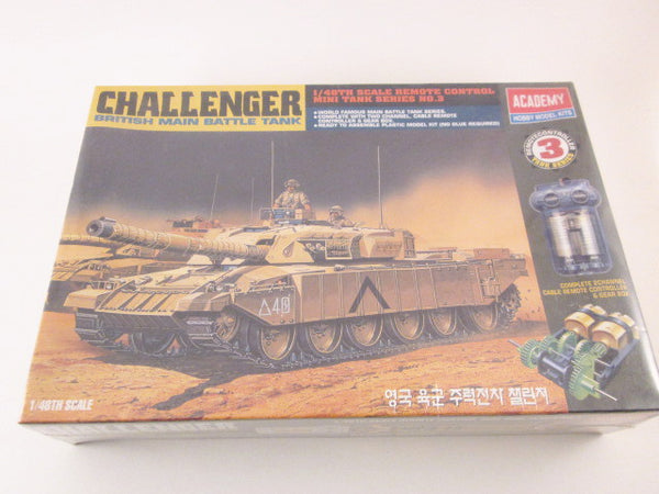 1:48 Modern British Challenger MBT with Remote Control Academy 1303