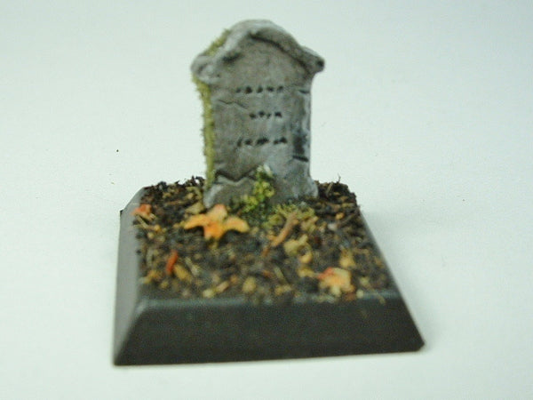 Miniature Gravestone T1087 Wargame Scenery Horror Grave Halloween Painted