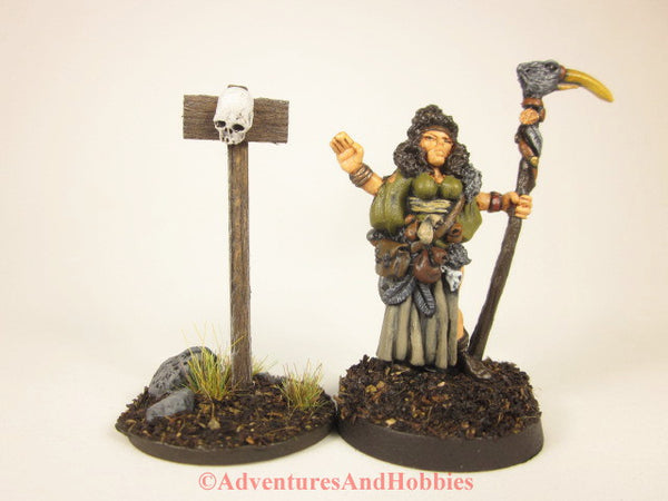 Wargame scenery wooden warning sign with human skull T1528 for 25 to 28mm miniatures games.