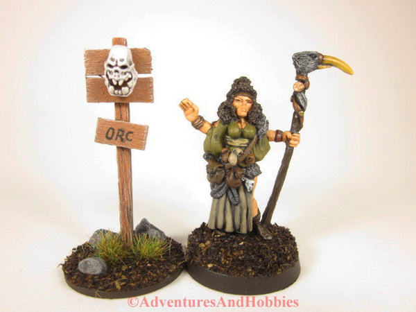 Wargame scenery wooden warning sign with orc skull T1530 for 25 to 28mm miniatures games.