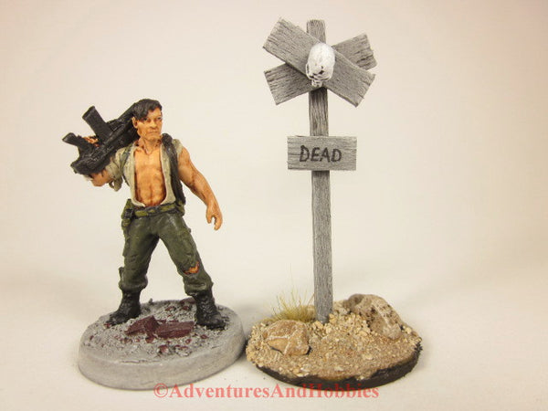Wargame scenery wooden warning sign with zombie skull T1531 for 25 to 28mm miniatures games.