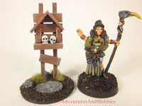 Miniature roadside shrine T1532 scenery for 25-28mm scale fantasy war games or role-playing games.