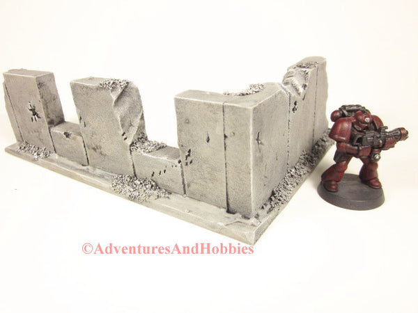 Style T591 Battle Damaged Corner Wall Section Ruin for 25-28mm Scale Miniature War Games.