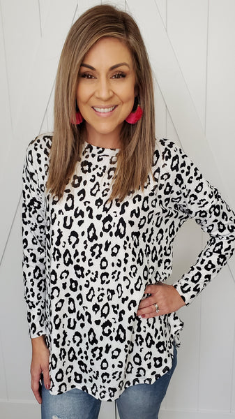 You Need This Leopard Top- Black/White
