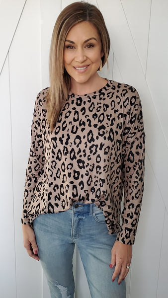 You Need This Leopard Top- Mocha/Black