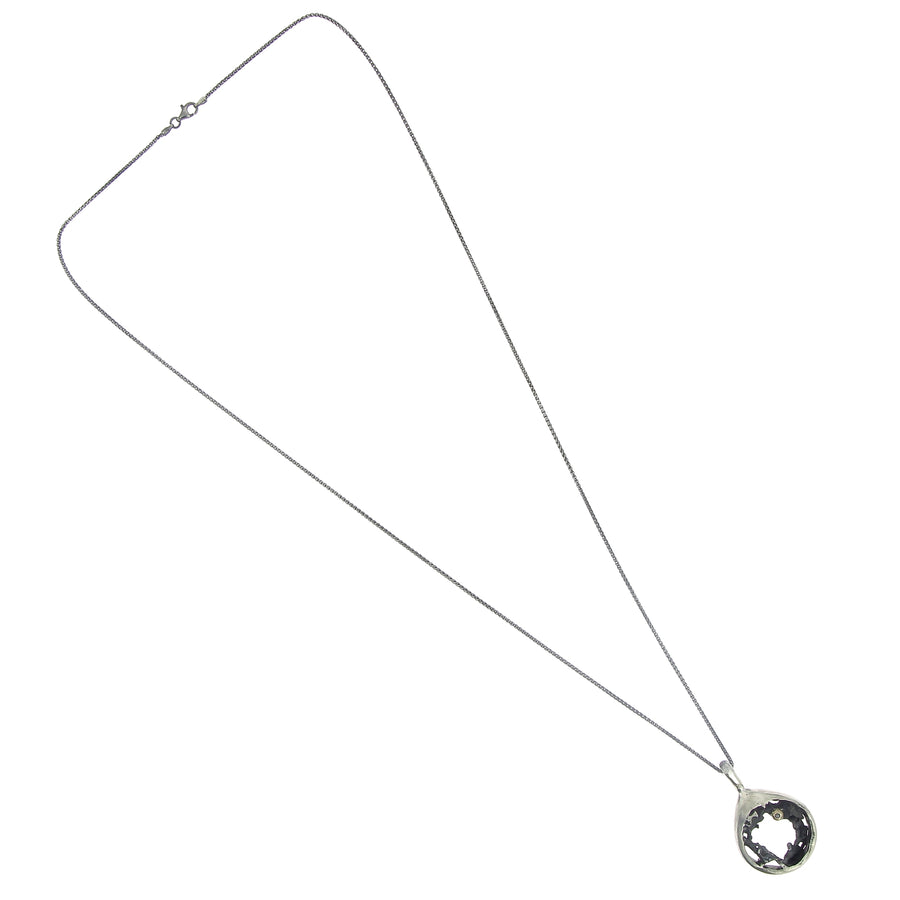 Collier stylo constraste ouvert