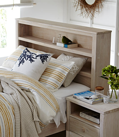 Superb A Coastal Bedroom Style In Four Fabulous Designs Download Free Architecture Designs Terchretrmadebymaigaardcom