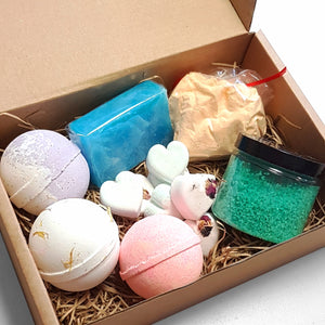 Large Mixed Handmade Bath Cosmetics Subscription Box