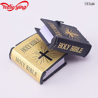 4 * 3.5* 1.3cm 1/12 sca Mini English Holy Edition Bible Book Dollhouse Miniature Stage Decoration Dolls Accessories 2style Cover