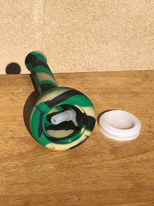 "8.5"" Detachable Silicone Beaker Bong Pipe with 2 - 14mm Male Slide Bowls & Silicone Stem - Camo"