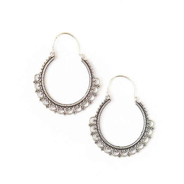 Dayna Hoops in Silver