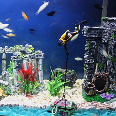 Hot Item New Arrival Aquarium Decoration Treasure Hunter Diver Action Figure Fish Tank Ornament Aquarium Decor Landscape