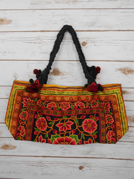 BA-001 POM POM WORM TOTE SHOULDER BAG (S)
