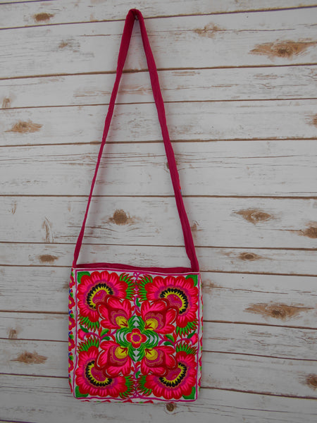 CC-001 FLOWERS HILL TRIBE CROSSBODY - WHITE