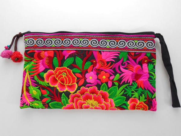 E-004 BLACK GARDEN TRIBAL WRISTLET