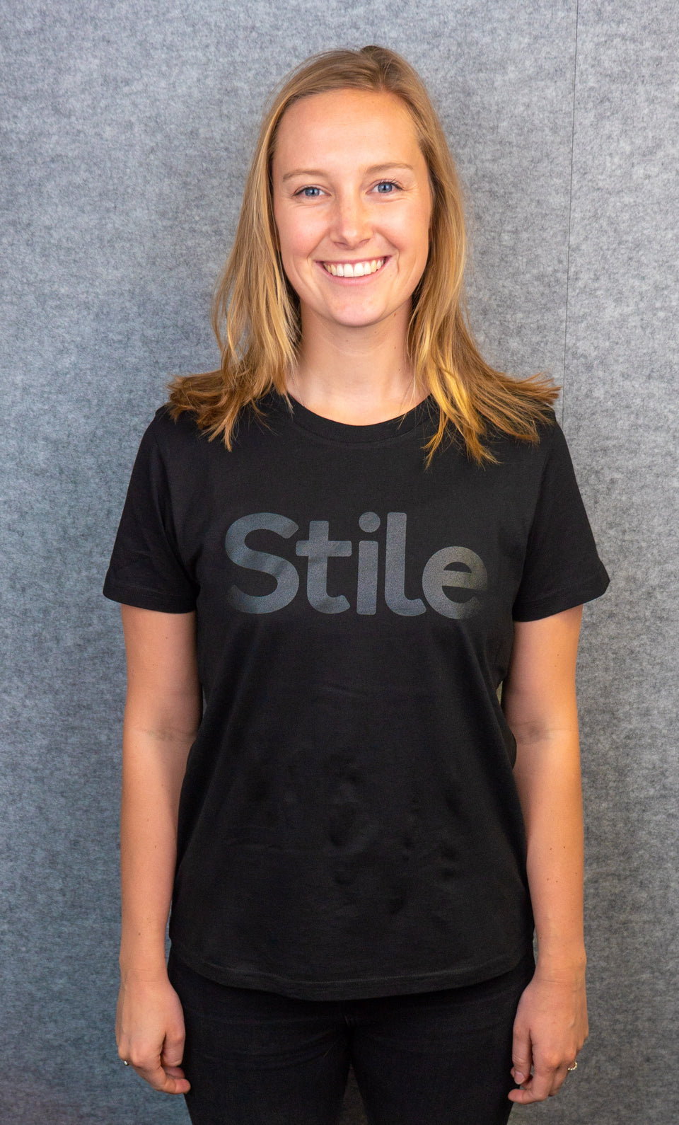 Black women's Stile Tee
