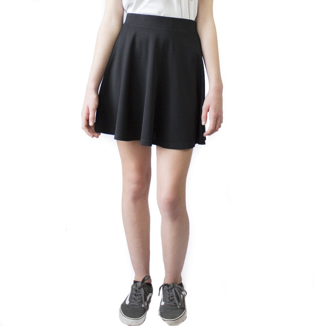 black skater skirt by teenage girl size 4 6 LACHERE