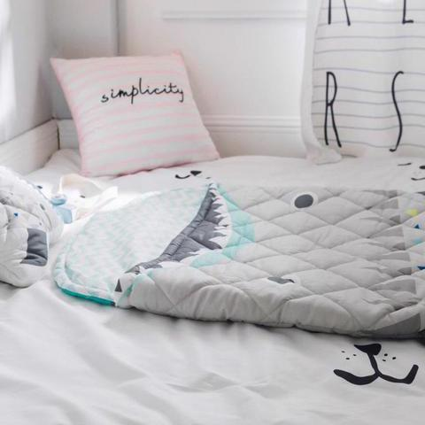 sac de couchage de requin confortable