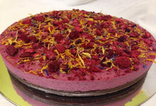 edible yellow flower calendula raspberry cake