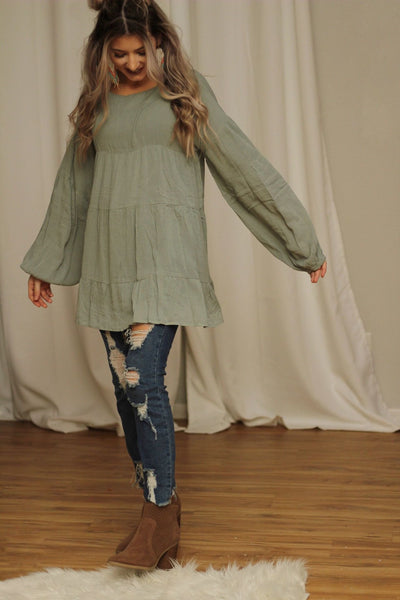 It's All In The Details Tunic Top in Sage - Atomic Wildflower
