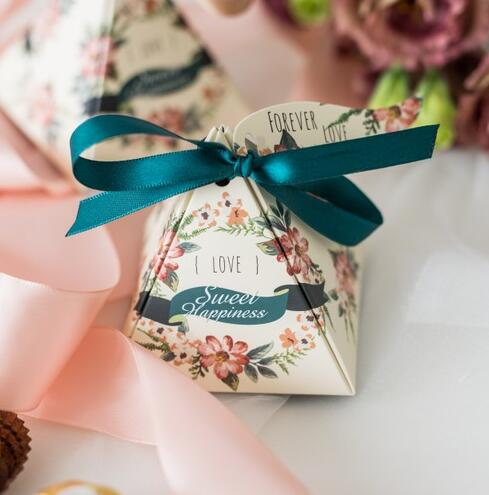 Wedding box gift box flower ribbon pyramid candy box wedding gifts for guests