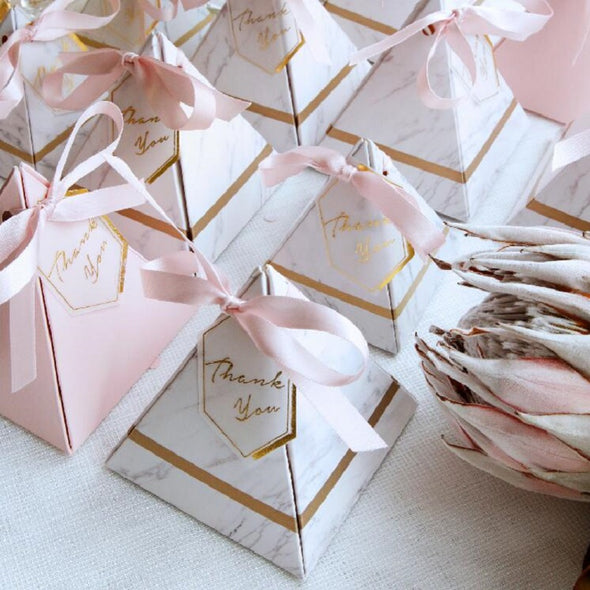 Wedding Favors Party Supplies Paper Gift Boxes with THANKS Card & Ribbon