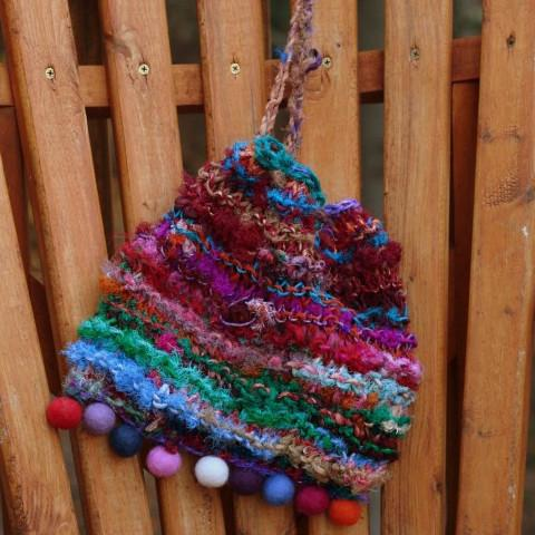 Blended: A Recycled Silk Yarn Purse Knit Pattern