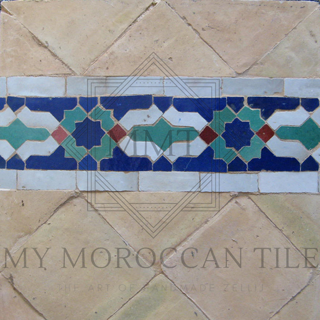 Crown mosaic border