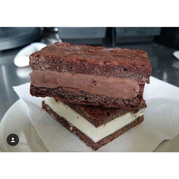 Sandwich de Brownie Con Helado