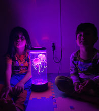 Load image into Gallery viewer, Hypnotic Jellyfish Aquarium Lamp