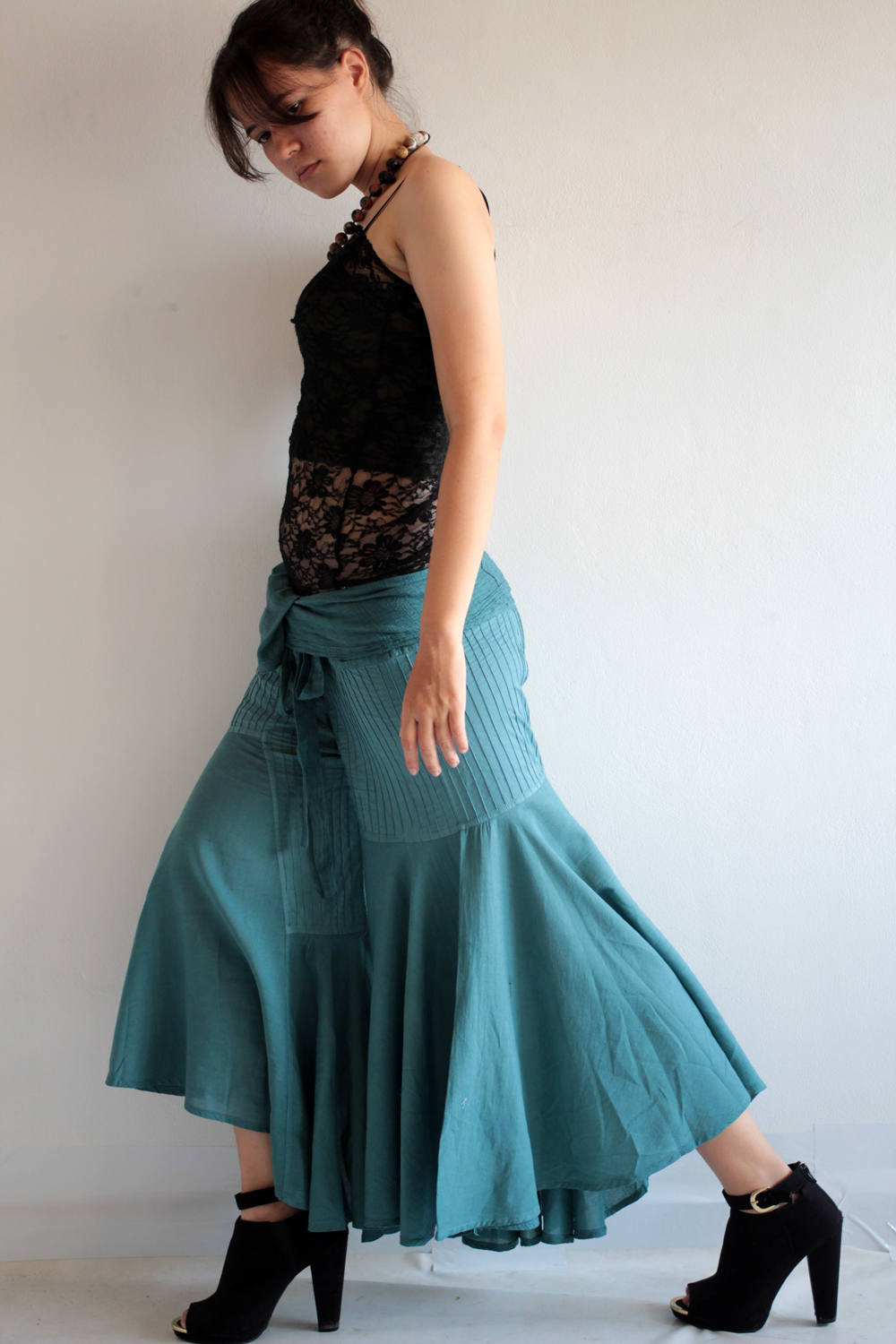 Pants...Hippie fisherman pants (148) in cotton mixed with silk and rayon in 2 sizes