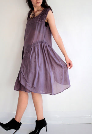 Dress/Asymmetric sleeve less Dress... mixed silk M (372)