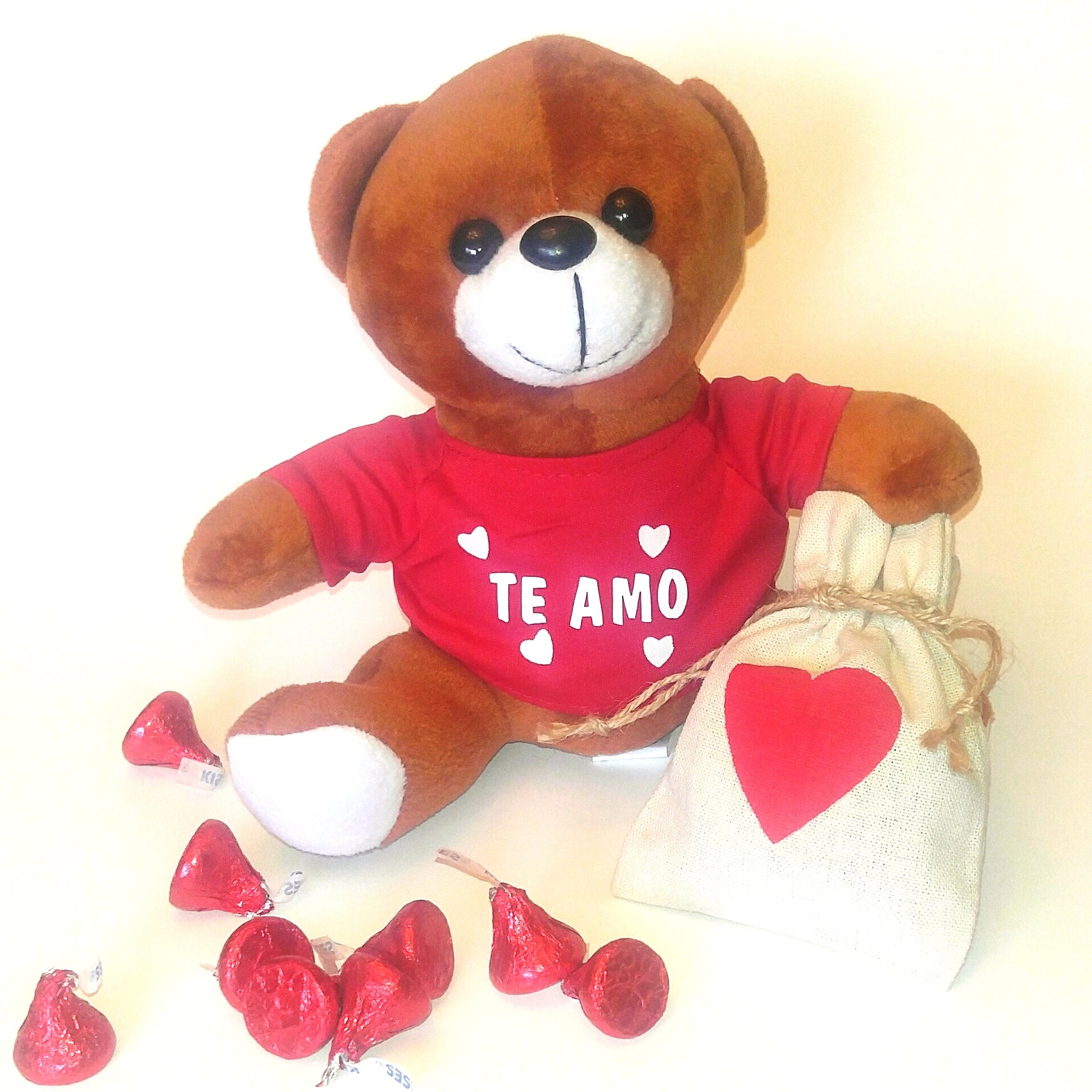 Bear Hugs & Kisses - Te Amo
