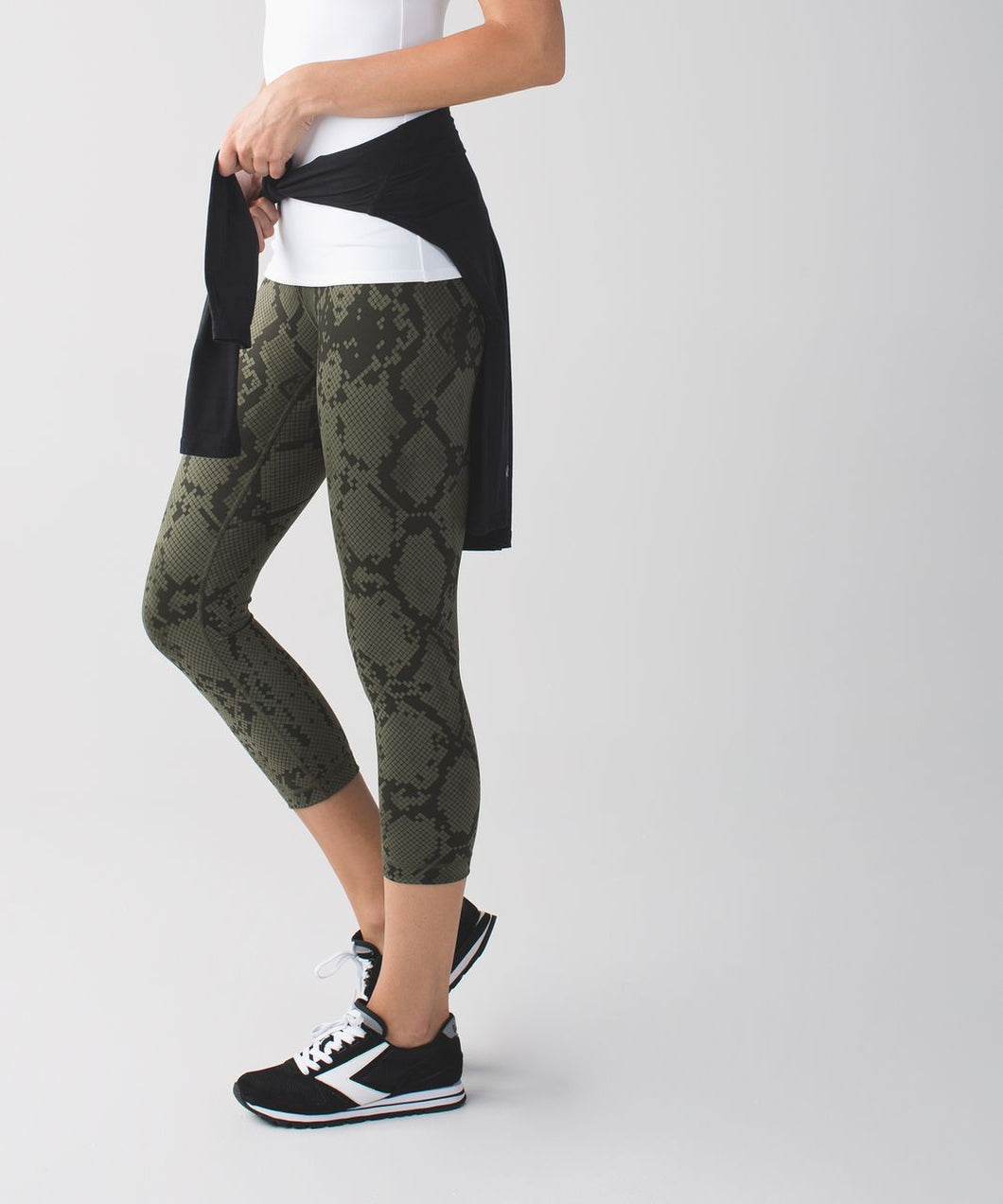 Lululemon Ziggy Snake Wunder Under Crop