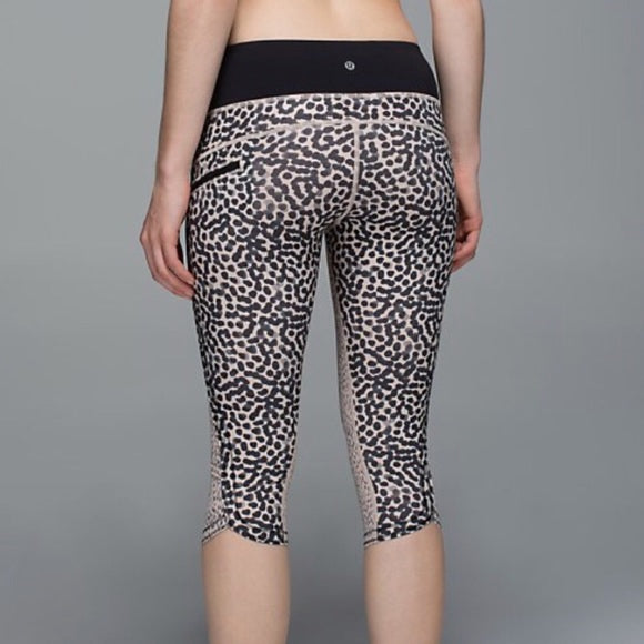 Lululemon Run: Top Speed Animal Print/Dotted Crop Pant, Size 8