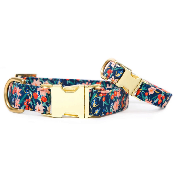 The Foggy Dog - Inky Blooms Dog Collar