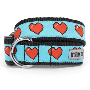 Graphic Hearts Collar