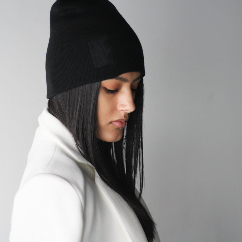 Women's Black Toque