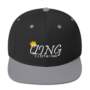 Signature Q'ing Snapback-white stitch