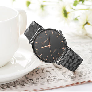 Modern Fashion Black Quartz Watch Men Women