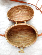 Vegan rattan bag on coconut husk premium Bali bags